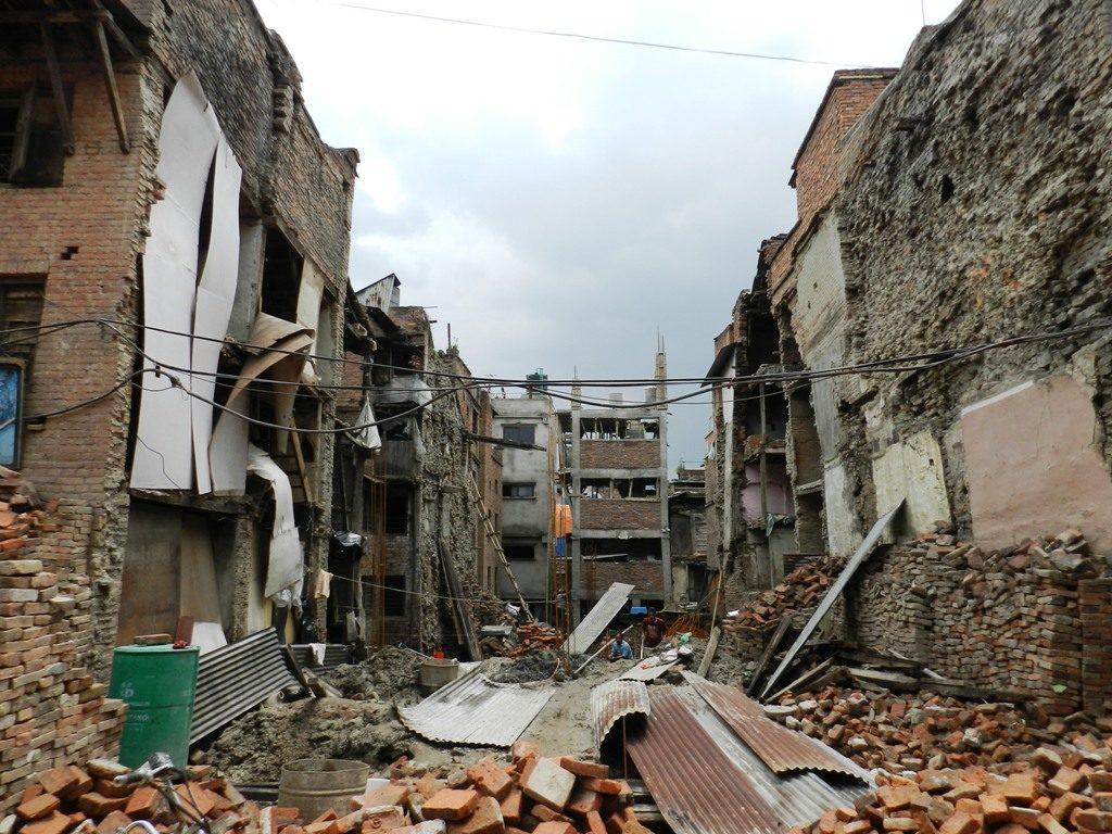 Devastazione dopo il terremoto del 2015
