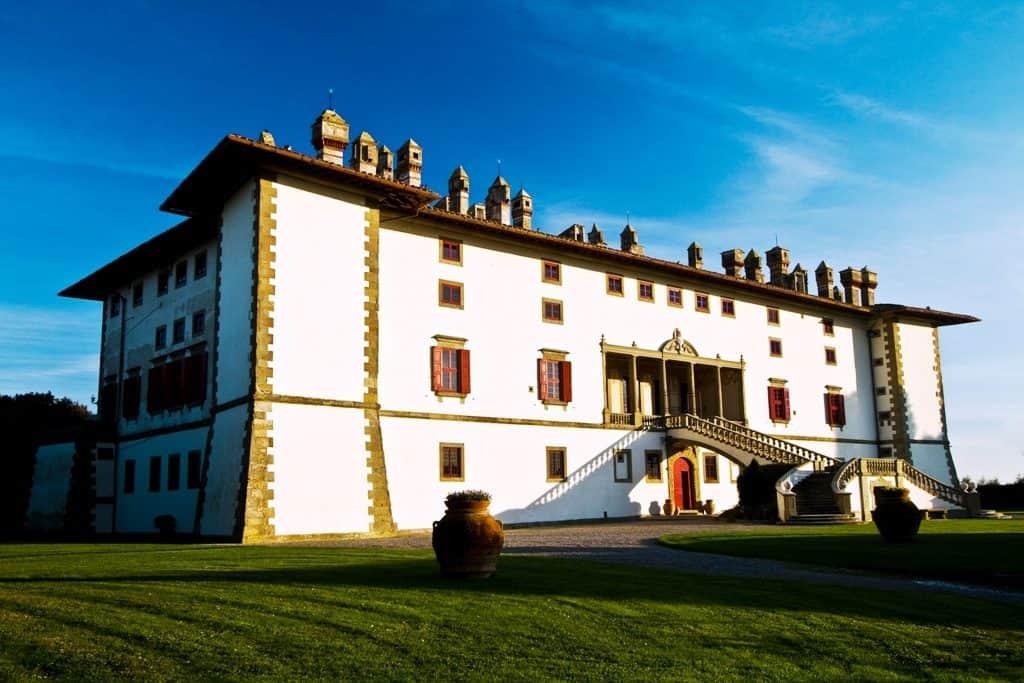 Esterno-Villa-Medicea-La-Ferdinanda-1024x683 La magia del Natale in Tenuta di Artimino