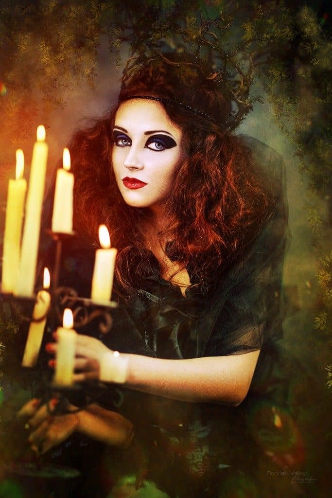 Halloween-dress-683x1024 Hilton Lake Como si veste per Halloween