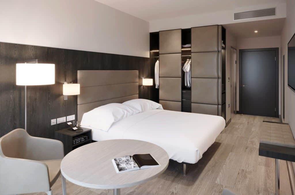 MANAQ_Bedroom_View_2-1024x678 Apre il secondo AC Hotels a Manchester