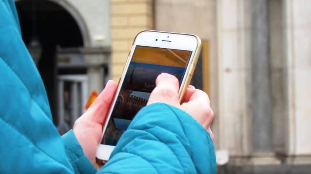 YAMGU-_-app-in-uso-1024x573 6 soluzioni smart per un viaggio no stress