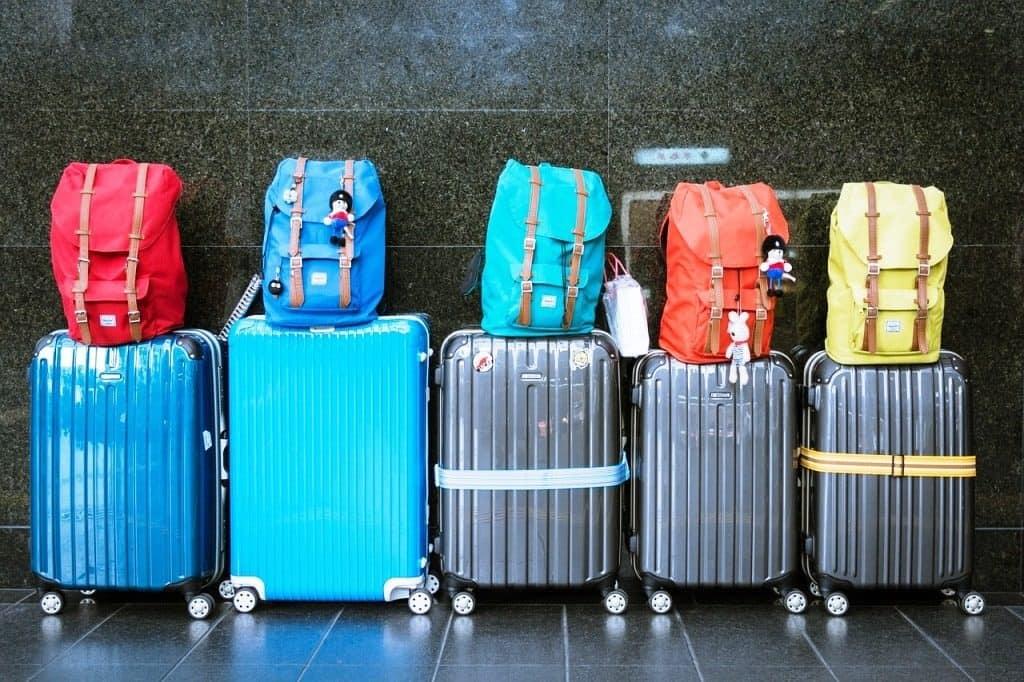 luggage-933487_1280-1024x682 Stop a Ryanair e Wizz per la policy bagaglio