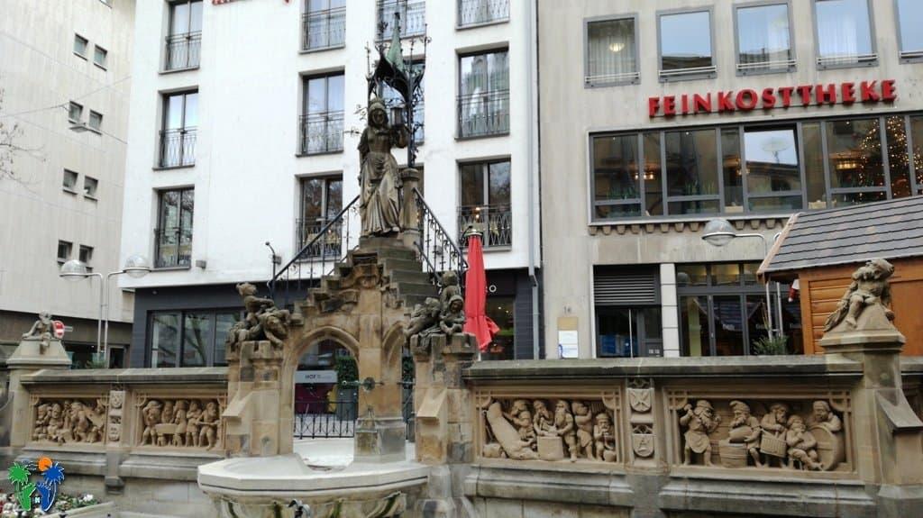 Heinzelmännchen Fountain