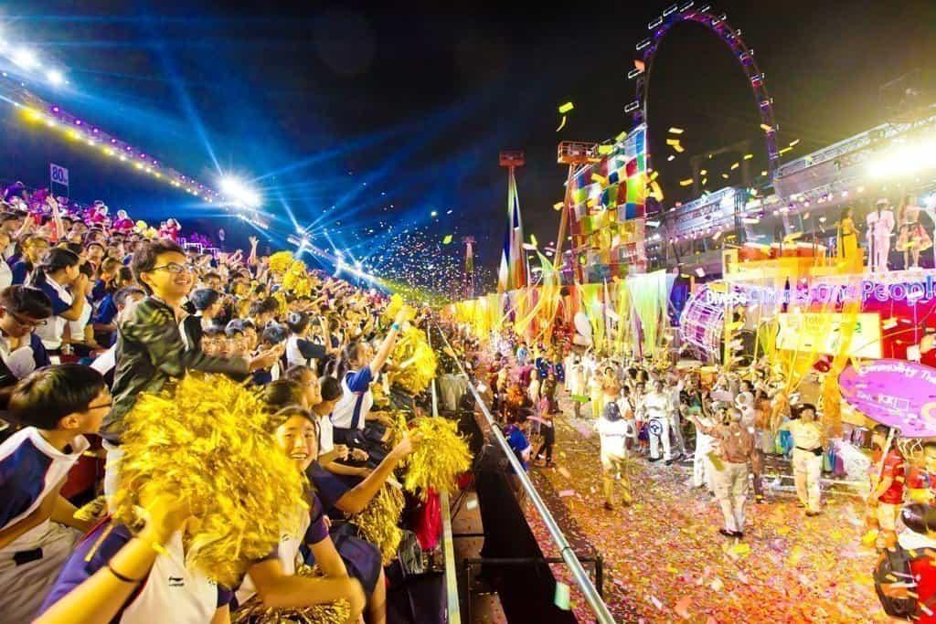 Parata-Chingay-2014_1 L'anno del Maiale si festeggia a Singapore